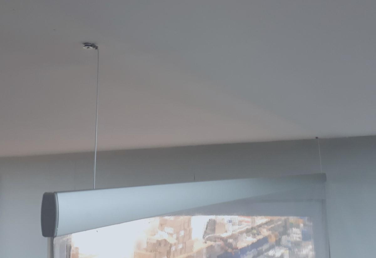 Hangerscreen fixing